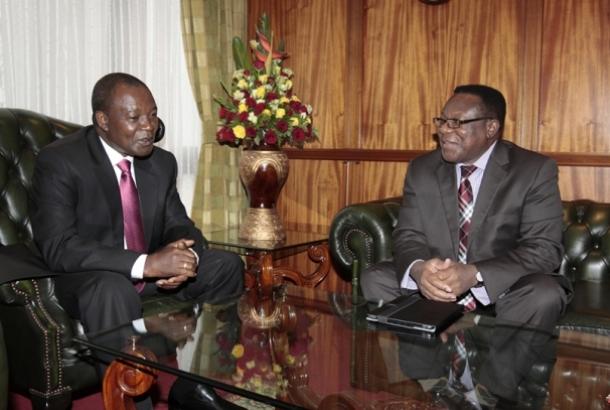 la r union du secr taire ex cutif et du gouverneur de la banque centrale du kenya fondation. Black Bedroom Furniture Sets. Home Design Ideas
